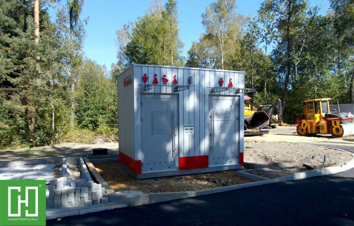 Automatyczna toaleta publiczna Papilio UNO Wood w Chechle