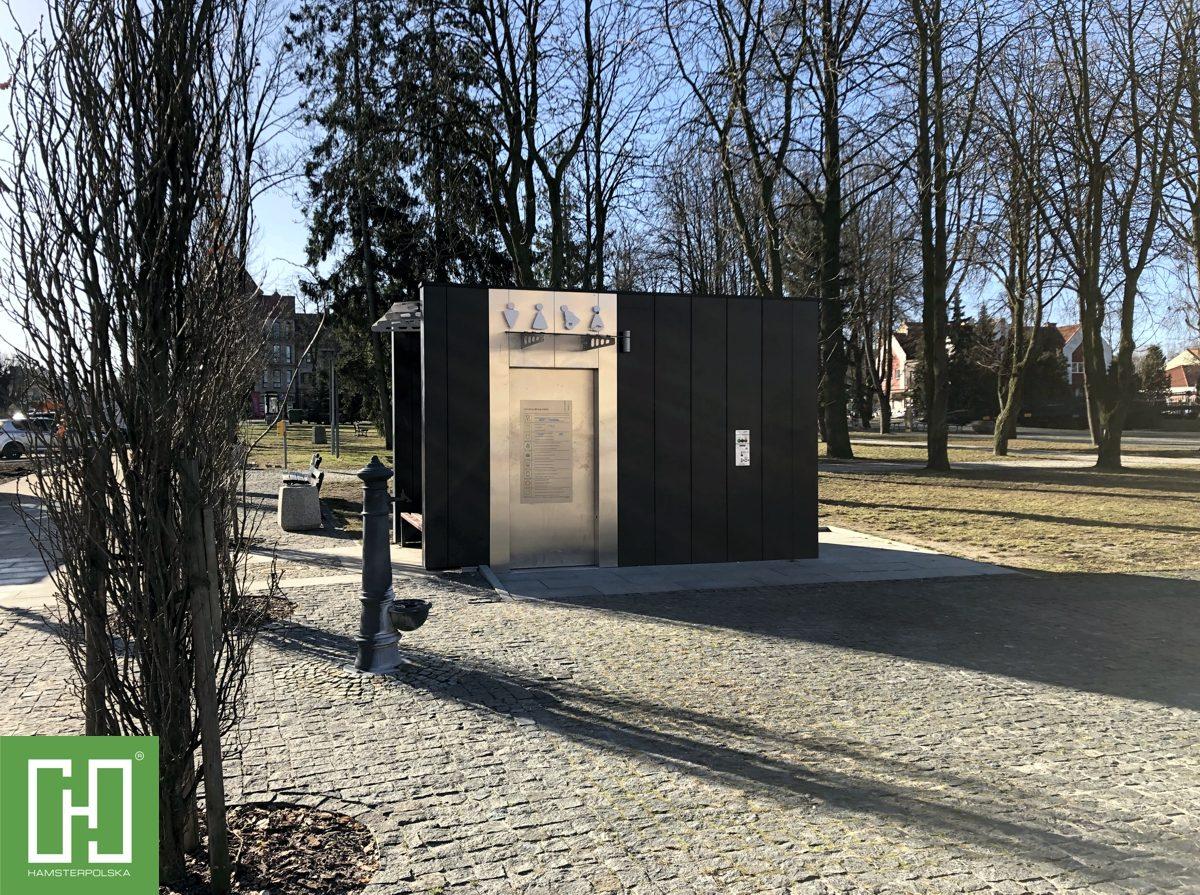 Automatyczna toaleta publiczna Phoenix UNO Modern w Gołdapi na rynku