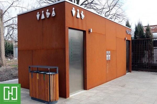 Automatyczna toaleta publiczna Phoenix Duo Corten w Pyskowicach